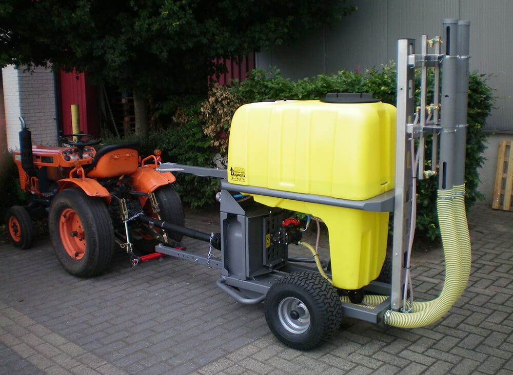TSL spraying cart pulled by tractor